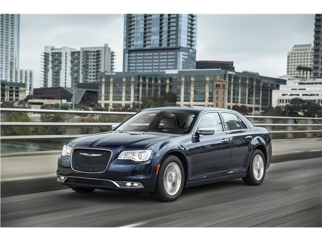 2017_Chrysler_300_1